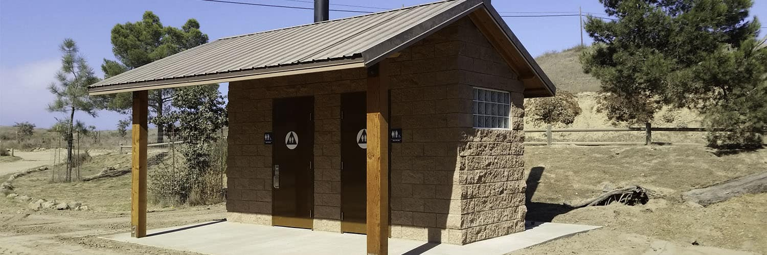 Double Waterless Restroom with Cement Block